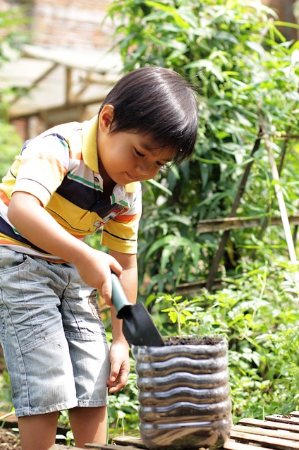 5 Ways to Make Your Garden Ready for Your Kids