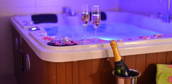 hot tub holiday UK