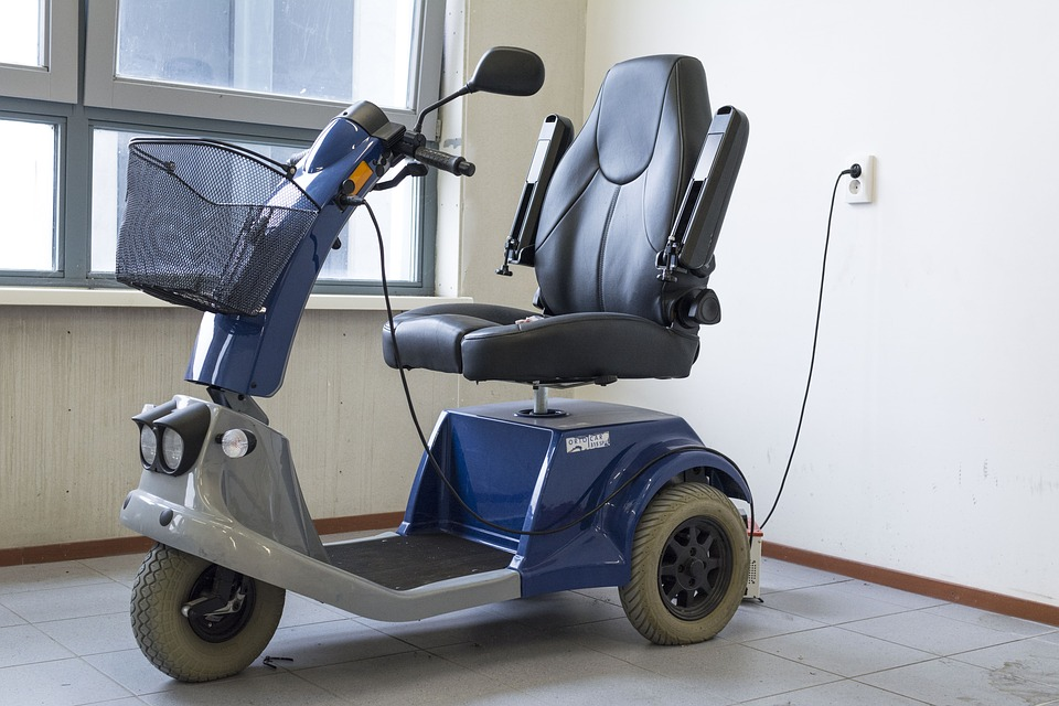 5 Reasons You Should Buy a Three-Wheel Mobility Scooter